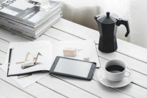 Podstawy żeliwne do stołów - doskonały pomysł na stworzenie komfortowo urządzonej kawiarni