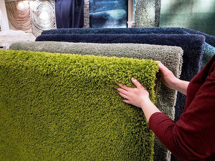 Jaki wybrać kolor dywanu do sypialni