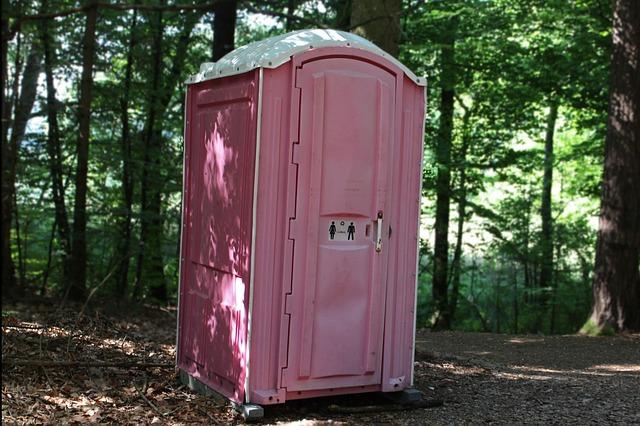 O czym poza WC musisz pomyśleć podczas organizowania imprez w plenerze?
