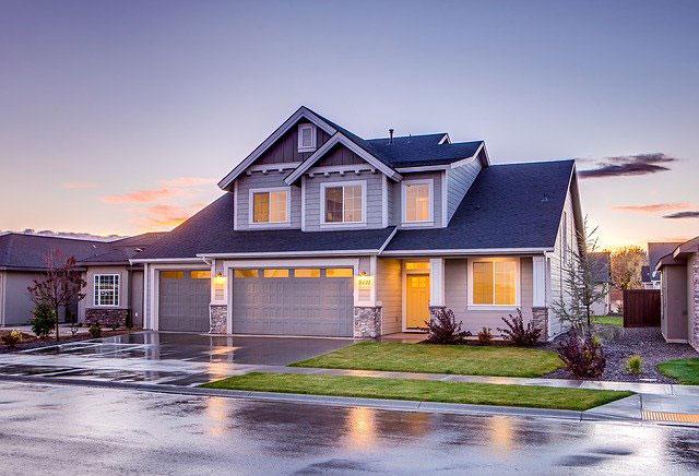 Formalności, które trzeba załatwić po sprzedaży domu