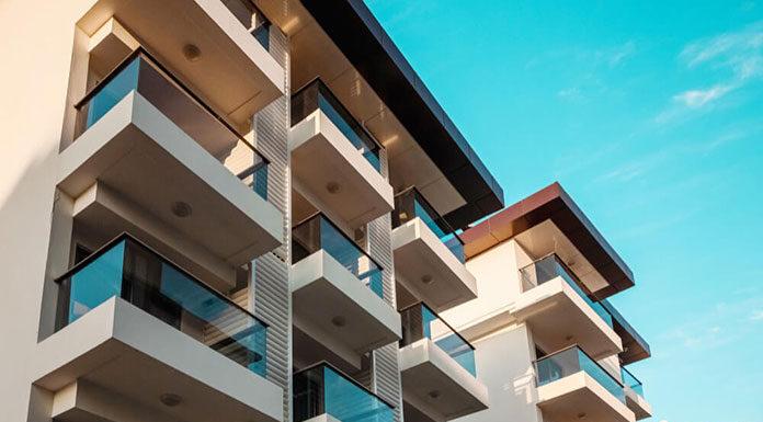 Jak efektywnie wykorzystywać balkon przez cały rok